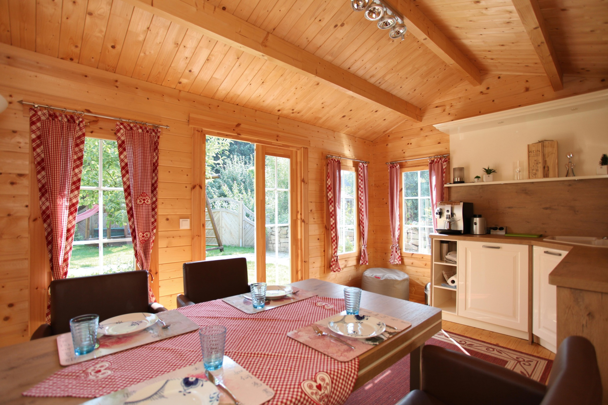 Abri De Jardin Habitable chalet habitable en bois inférieur à 20m²